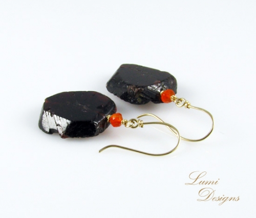 Earrings with garnet, carnelian and gold (585)