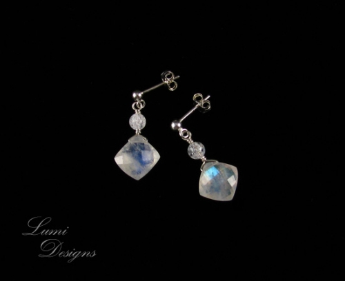 Earrings 'Deep Within' with moonstone, clear quartz and sterling silver (925)