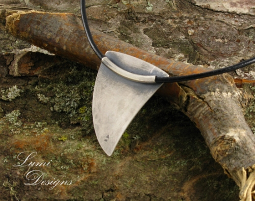 Necklace 'Dino's Horn'
