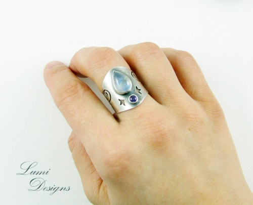 Ring 'Silvery Night' with moonstone, amethyst and sterling silver (925)