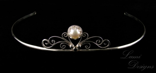 Tiara with sterling silver and freshwater pearl