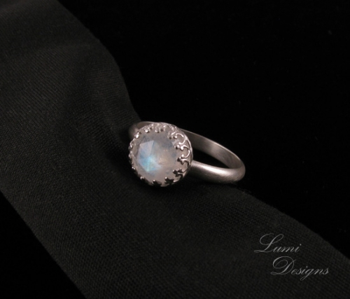 Ring 'Luna' - sterling silver (925) and moonstone
